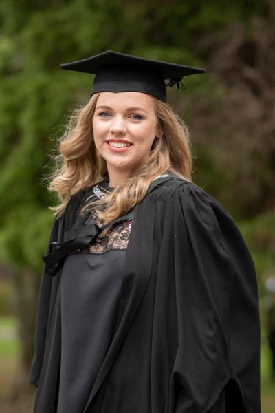 Zara Pyle - Bachelor of Nursing